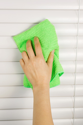 Cleaning Window Blinds with a Microfiber Cloth